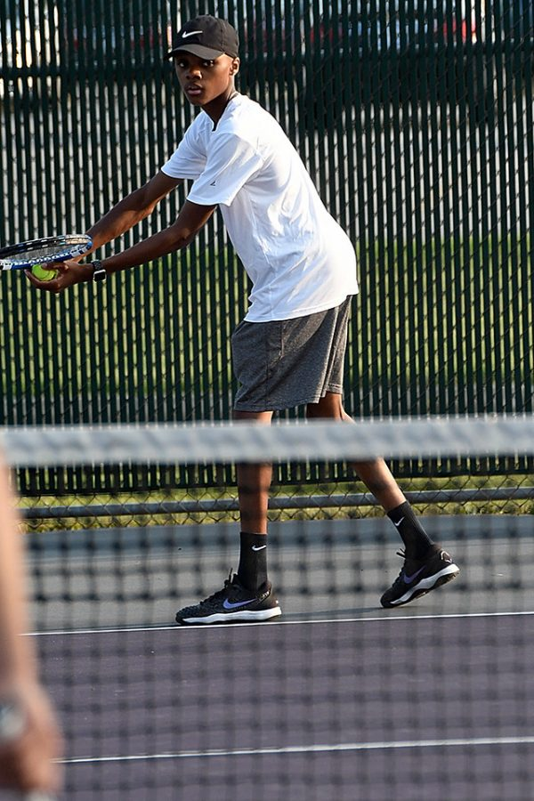 Senior+Ronald+Greene+grabbed+a+victory+in+the+Sectional+championship+game+with+his+partner+Micah+Rayburn+at+No.+1+doubles.