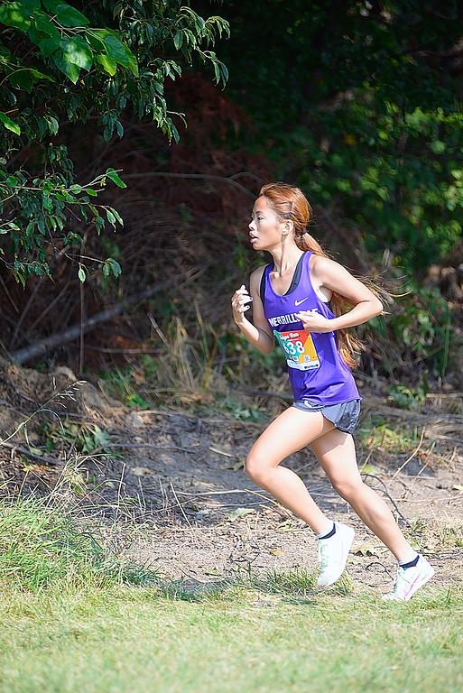 Senior+Merci+Tan+runs+in+the+Bob+Thomas+Invitational+on+Sept.+11th.+